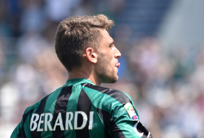 REGGIO NELL'EMILIA, ITALY - MAY 17:  Domenico Berardi of Sassuolo celebrates after scoring the  goal 2-0 during the Serie A match between US Sassuolo Calcio and AC Milan on May 17, 2015 in Reggio nell'Emilia, Italy.  (Photo by Giuseppe Bellini/Getty Images)