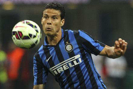 MILAN, ITALY - MAY 31:  Anderson Hernanes of FC Internazionale Milano in action during the Serie A match between FC Internazionale Milano and Empoli FC at Stadio Giuseppe Meazza on May 31, 2015 in Milan, Italy.  (Photo by Marco Luzzani/Getty Images)