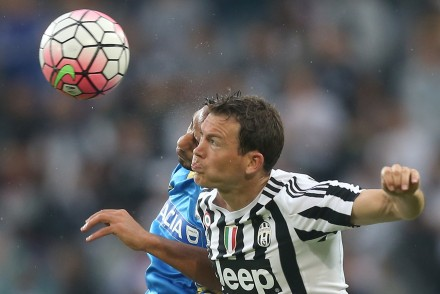 "Juventus' defender from Switzerland, Stephan Lichtsteiner heads the ball during the Italian Serie A football match Juventus Vs Udinese on August 23, 2015 at the ""Juventus Stadium"" in Turin.  AFP PHOTO / MARCO BERTORELLO        (Photo credit should read MARCO BERTORELLO/AFP/Getty Images)"