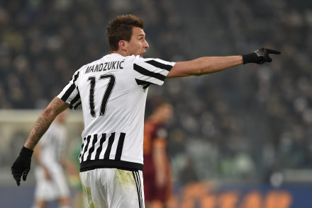 TURIN, ITALY - JANUARY 24:  Mario Mandzukic of Juventus FC gestures during the Serie A match between Juventus FC and AS Roma at Juventus Arena on January 24, 2016 in Turin, Italy.  (Photo by Valerio Pennicino/Getty Images)