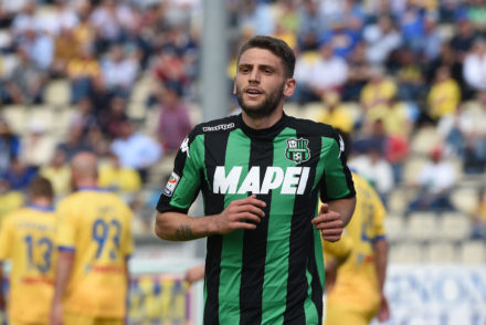 FROSINONE, ITALY - MAY 08:  Domenico Berardi of Sassuolo in action during the Serie A match between Frosinone Calcio and US Sassuolo calcio at Stadio Matusa on May 8, 2016 in Frosinone, Italy.  (Photo by Francesco Pecoraro/Getty Images)