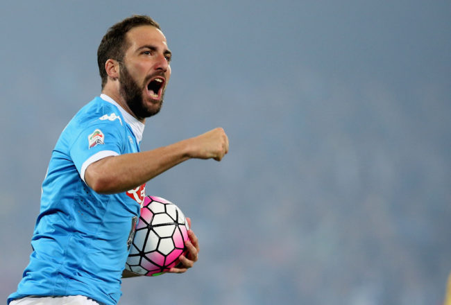 NAPLES, ITALY - MAY 14: Gonzalo Higuain of Napoli celebrates after scoring his team's second goal the Serie A match between SSC Napoli and Frosinone Calcio at Stadio San Paolo on May 14, 2016 in Naples, Italy.  (Photo by Maurizio Lagana/Getty Images)