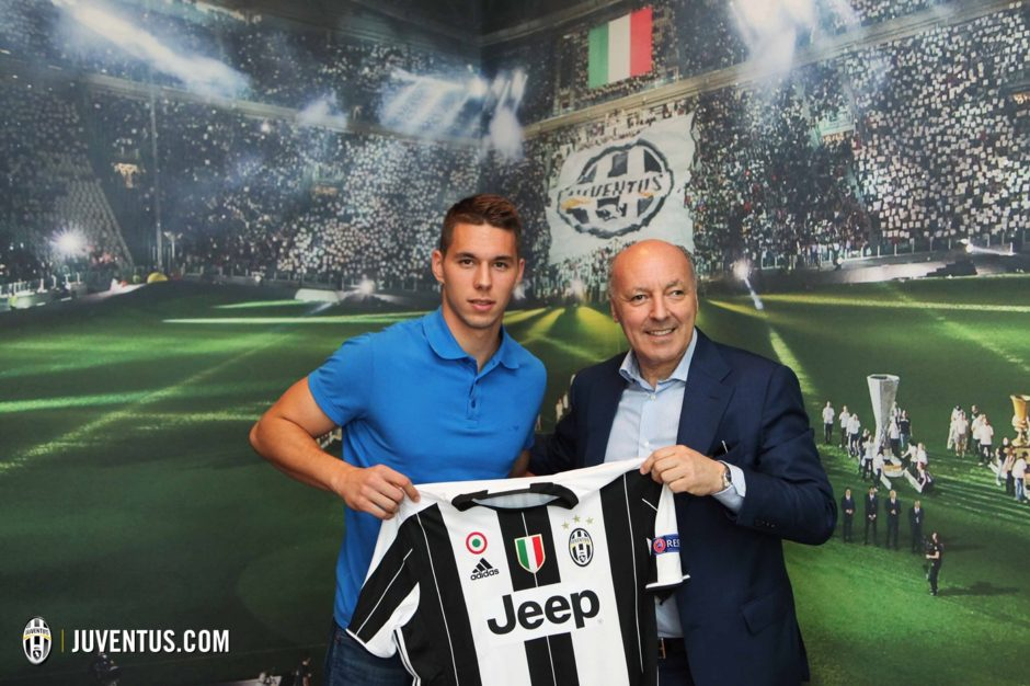 Juventus - Marko Pjaca firma contratto