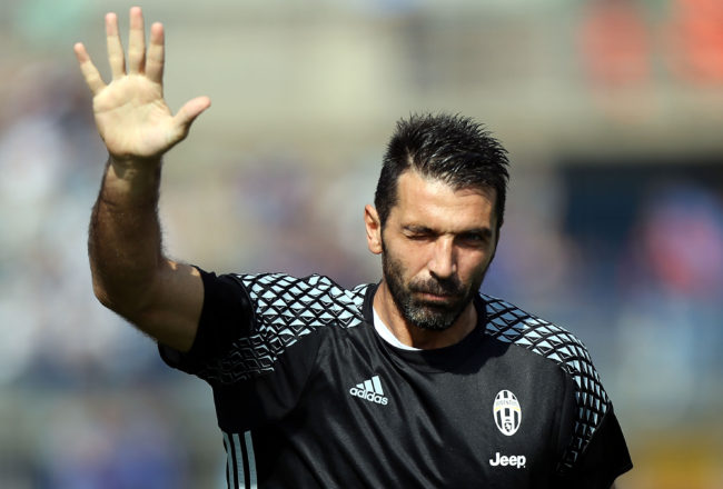 EMPOLI, ITALY - OCTOBER 02: Gianuigi Buffon of Juventus FC reacts during the Serie A match between Empoli FC and Juventus FC at Stadio Carlo Castellani on October 2, 2016 in Empoli, Italy.  (Photo by Gabriele Maltinti/Getty Images)
