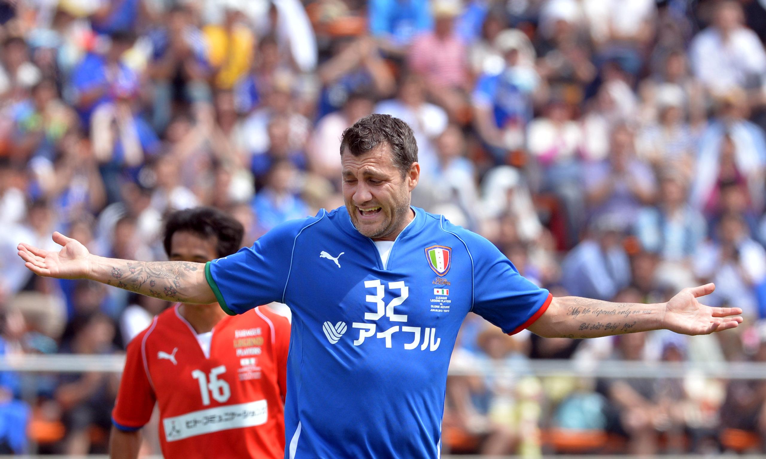 Vieri believes Inter have become Scudetto favorites following Ronaldo's departure